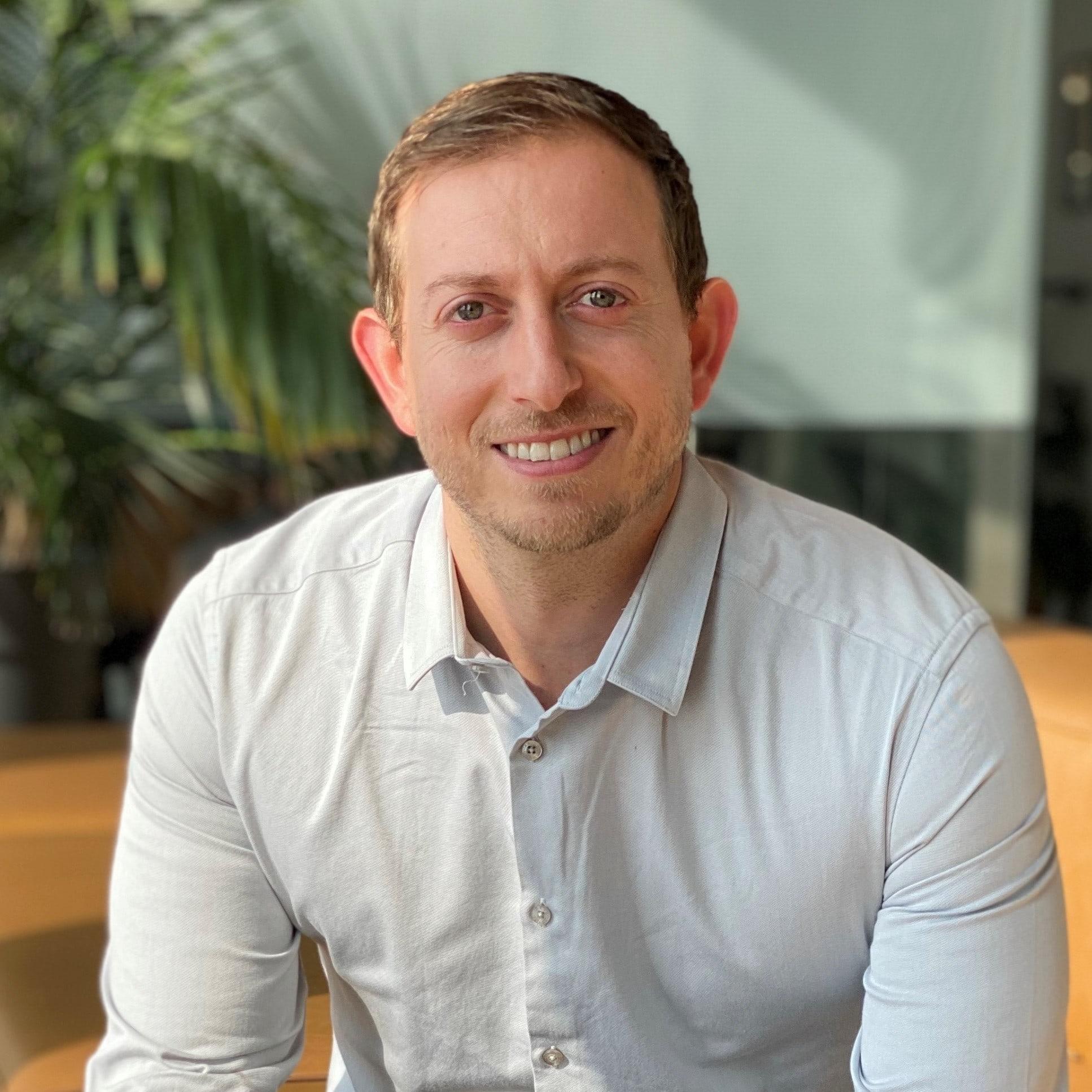 Roy Zur CEO of Cybint